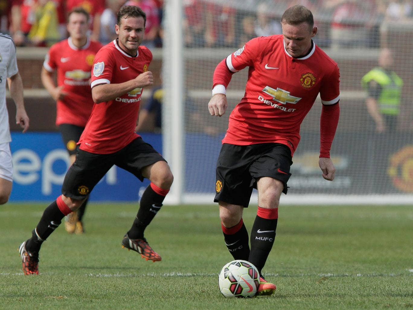 Juan Mata and Wayne Rooney