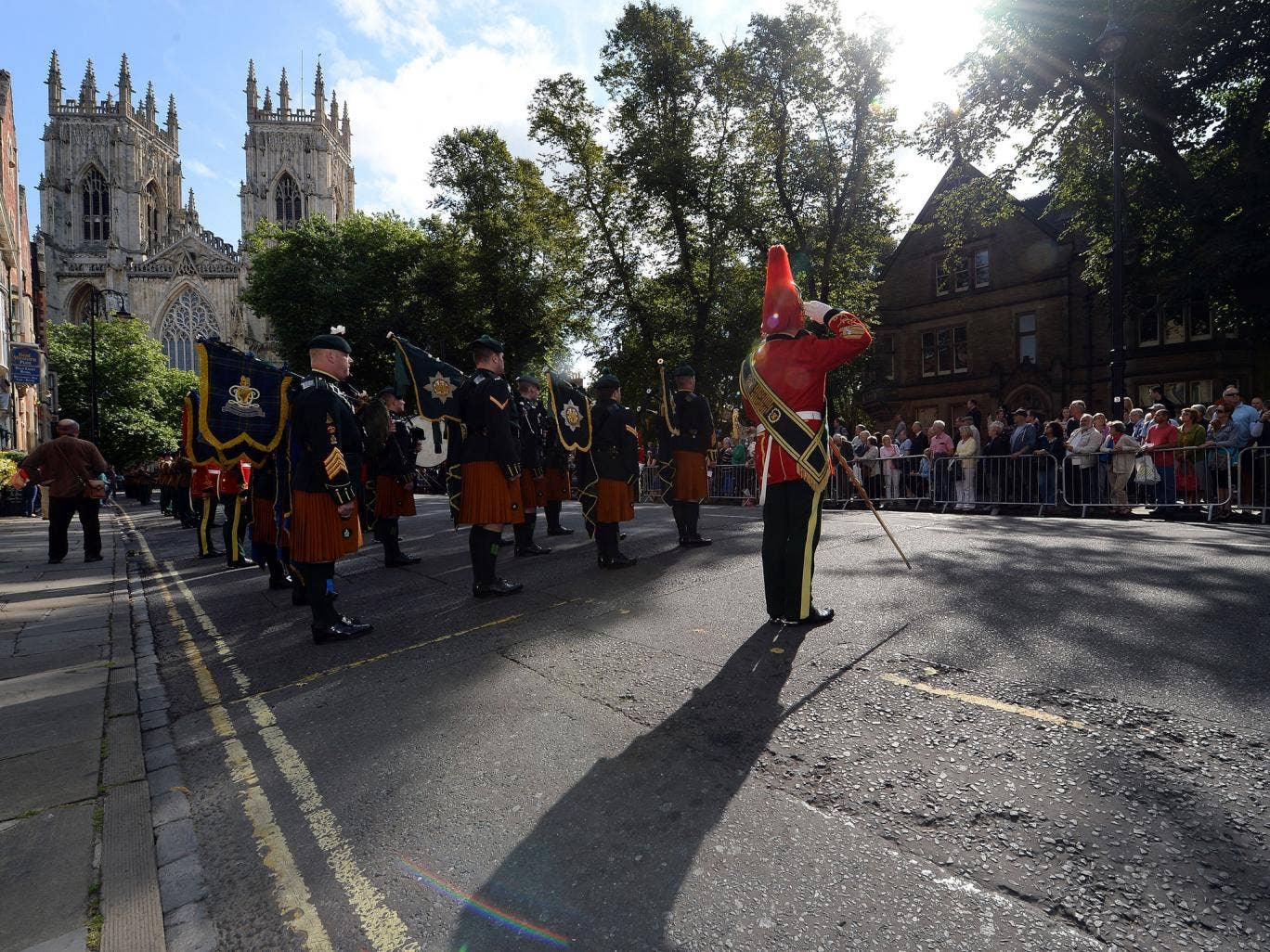 The Royal Dragoons Guard march past York Minster as they parade through the Cit ahead of a service in the Minster as part of the WWI Commemorations