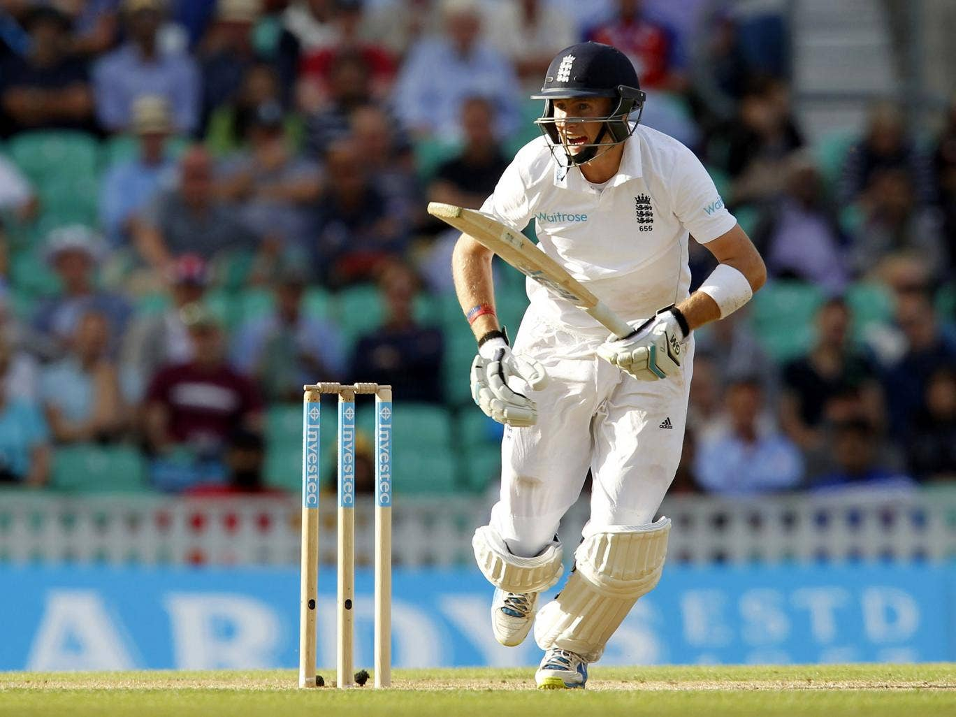 Joe Root steals a single on day two of the fifth Test