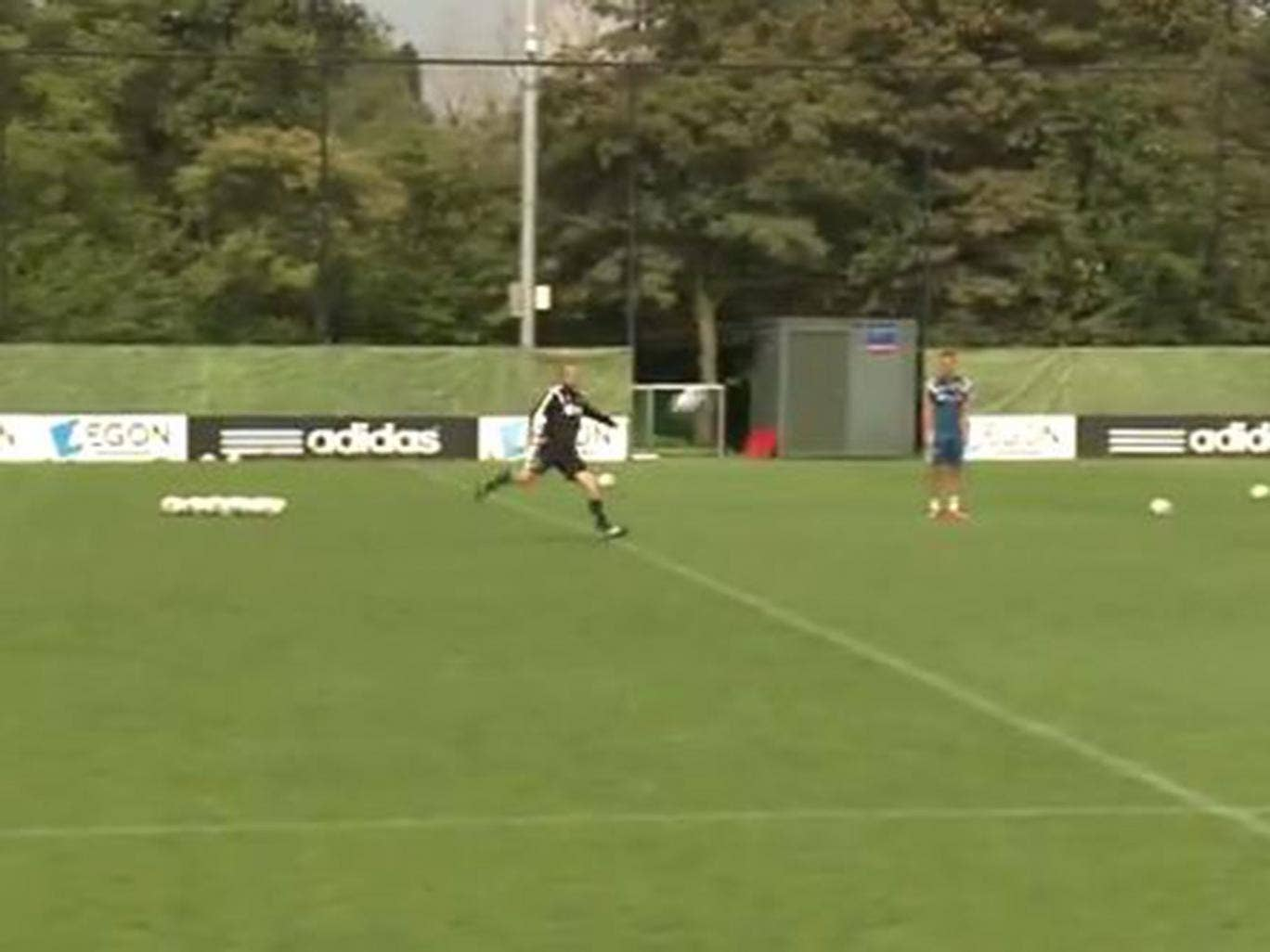 Dennis Bergkamp has been filmed executing a perfect volley at Ajax training