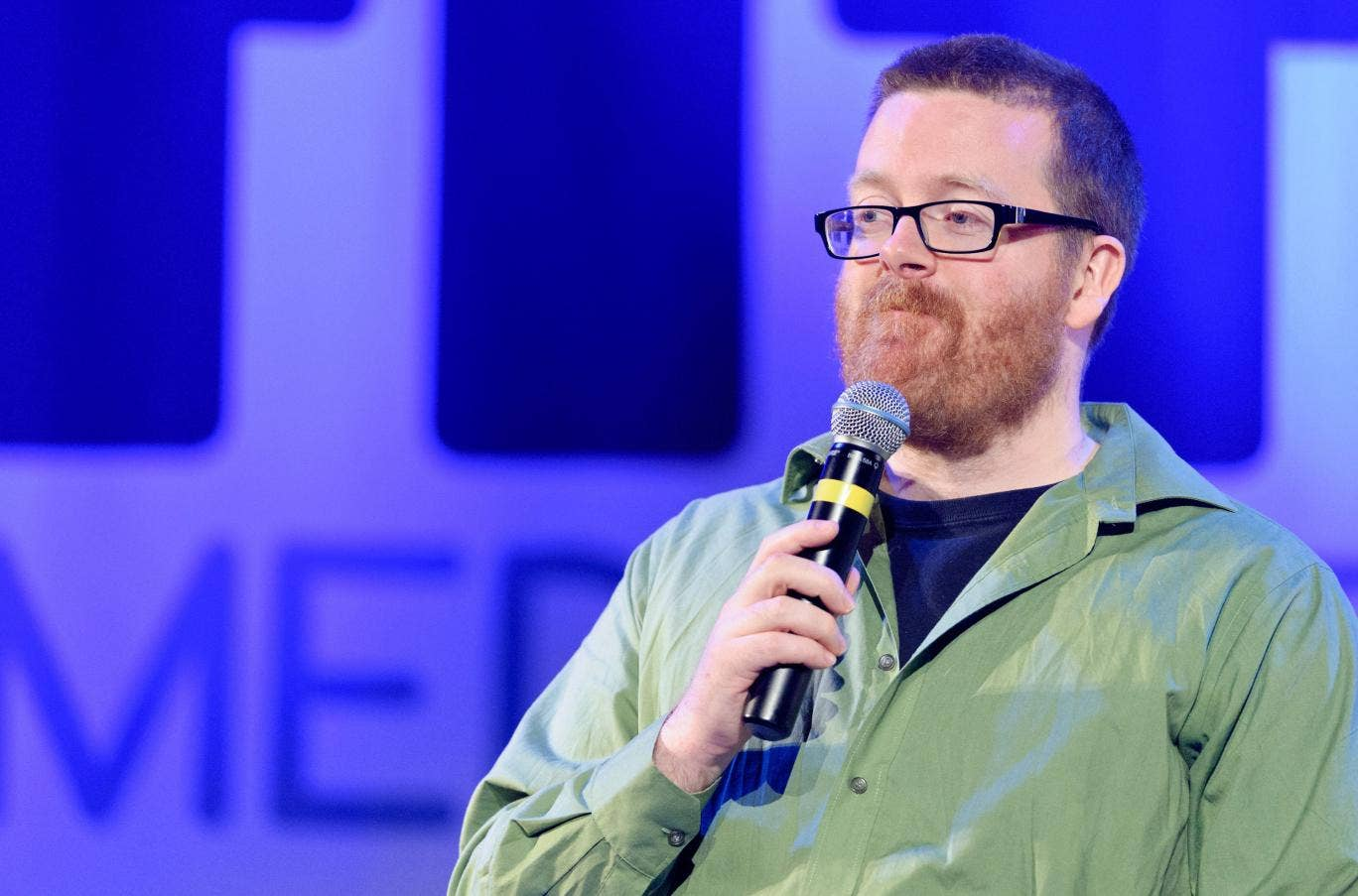 """Frankie Boyle has called on the sacking of Jeremy Clarkson because the presenter is a """"cultural tumour"""" he says"""