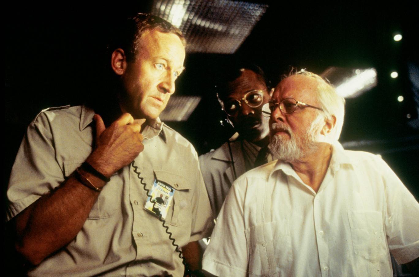 Bob Peck, Samuel L Jackson and Richard Attenborough star in Jurassic Park, 1993