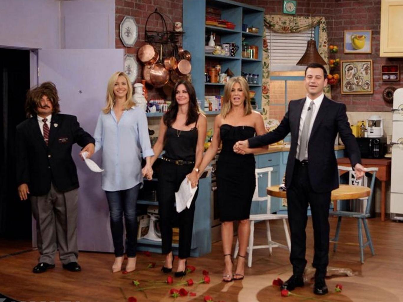 Lisa Kudrow, Courtney Cox and Jennifer Anniston reunite for a mini Friends sketch on Jimmy Kimmel Live