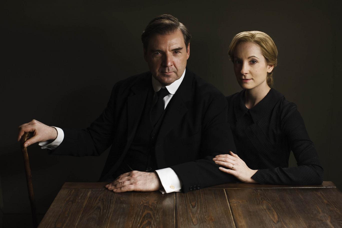 Elizabeth McGovern as Cora, Countess of Grantham and Richard E Grant as Simon Bricker