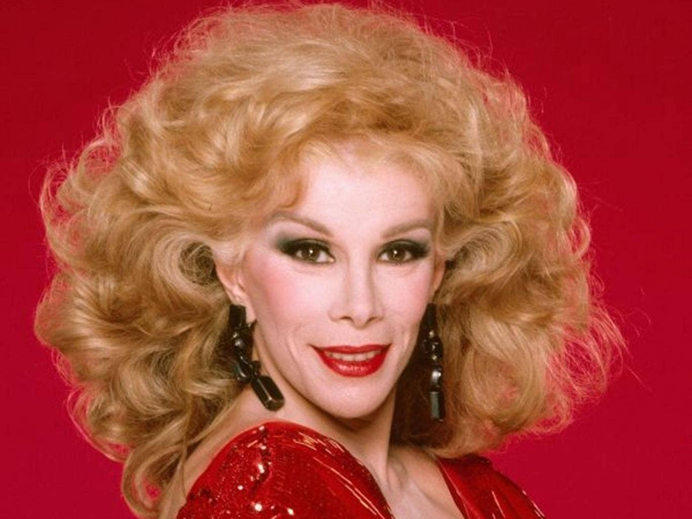 Comedian Joan Rivers poses for a portrait in 1990 in Los Angeles, California.