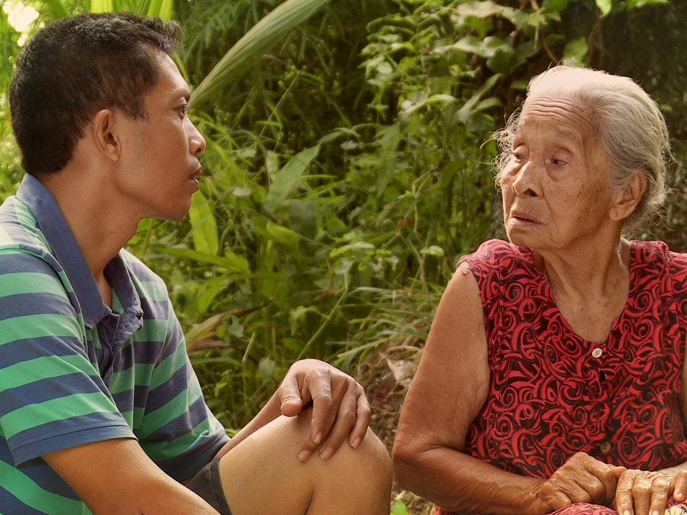 Adi Rukun and his mother, Rohani, in 'The Look of Silence'