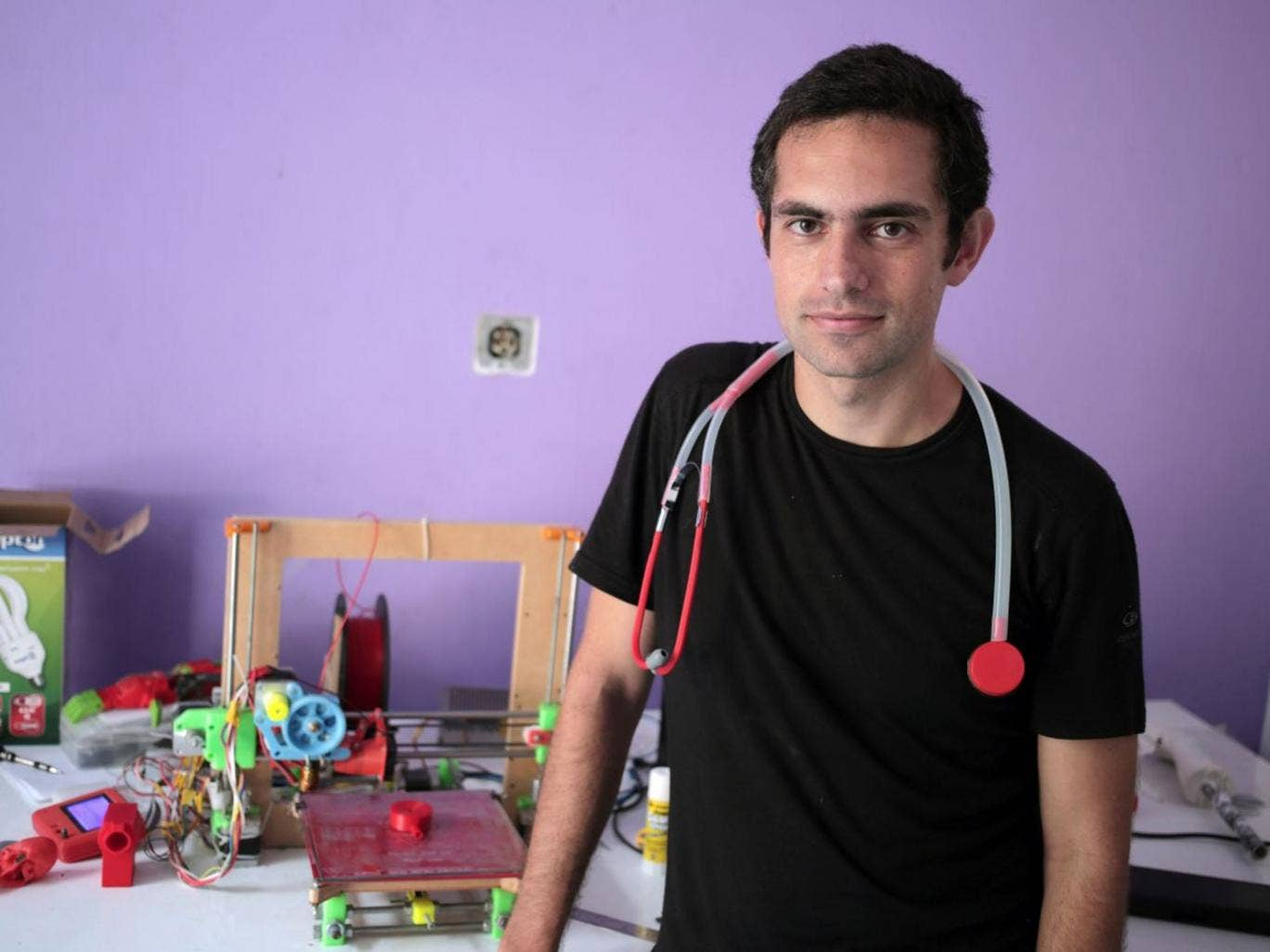 Gaza doctor Tarek Loubani creates 3D printed stethoscopes to alleviate medical supply shortages caused by blockade
