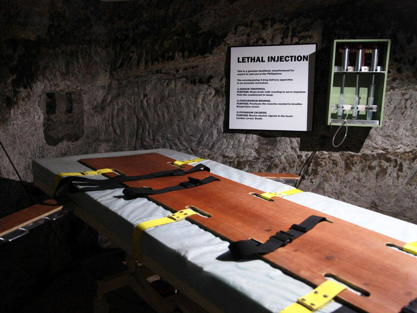 death by lethal injection Huntsville, texas-- texas carried out the nation's first execution of 2018 thursday evening, giving lethal injection to a man who became known as houston's tourniquet killer because of his.