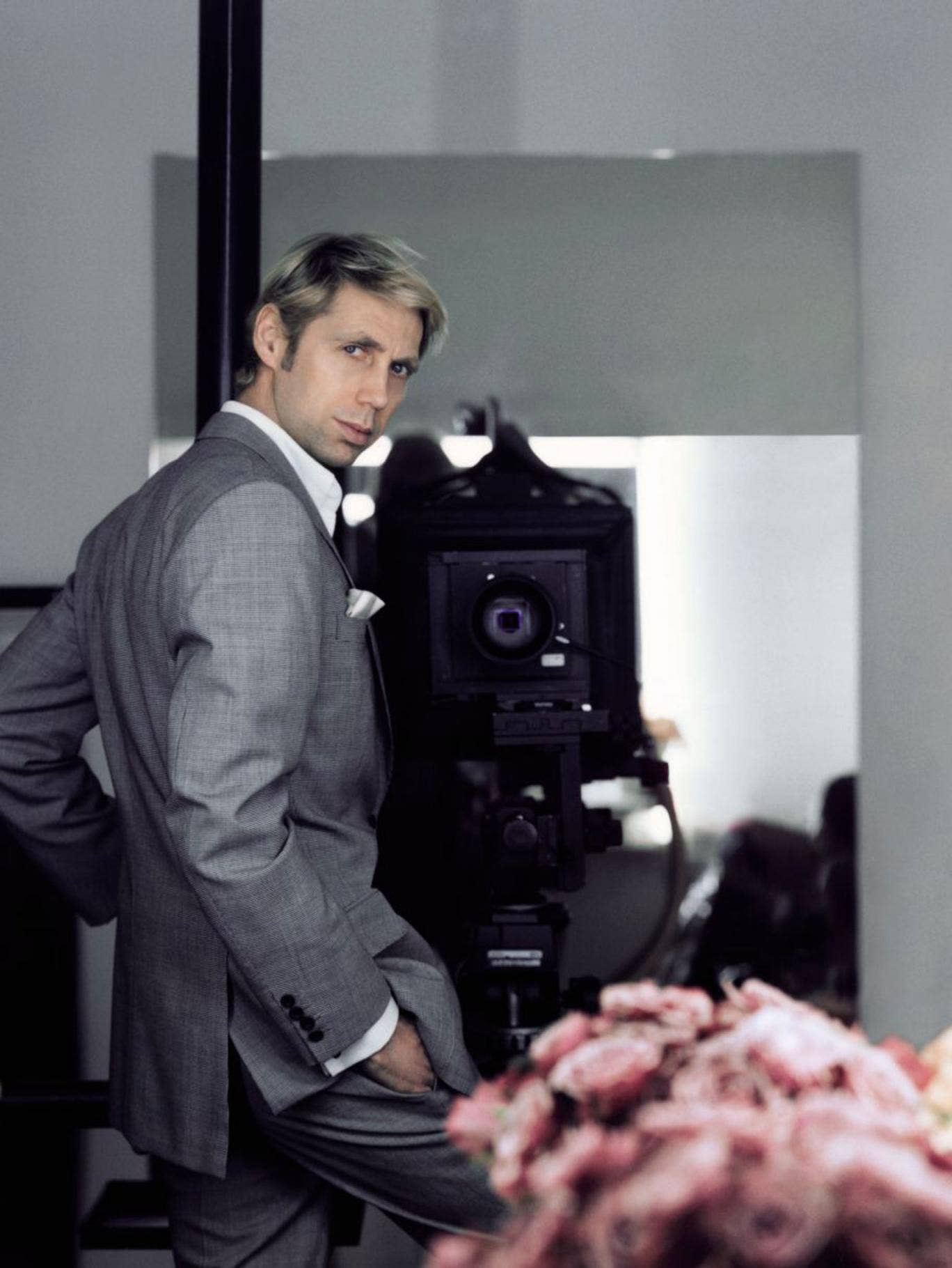 Interview with :   Nick Knight, British fashion photographer, film-maker, and director of SHOW studio.com on working