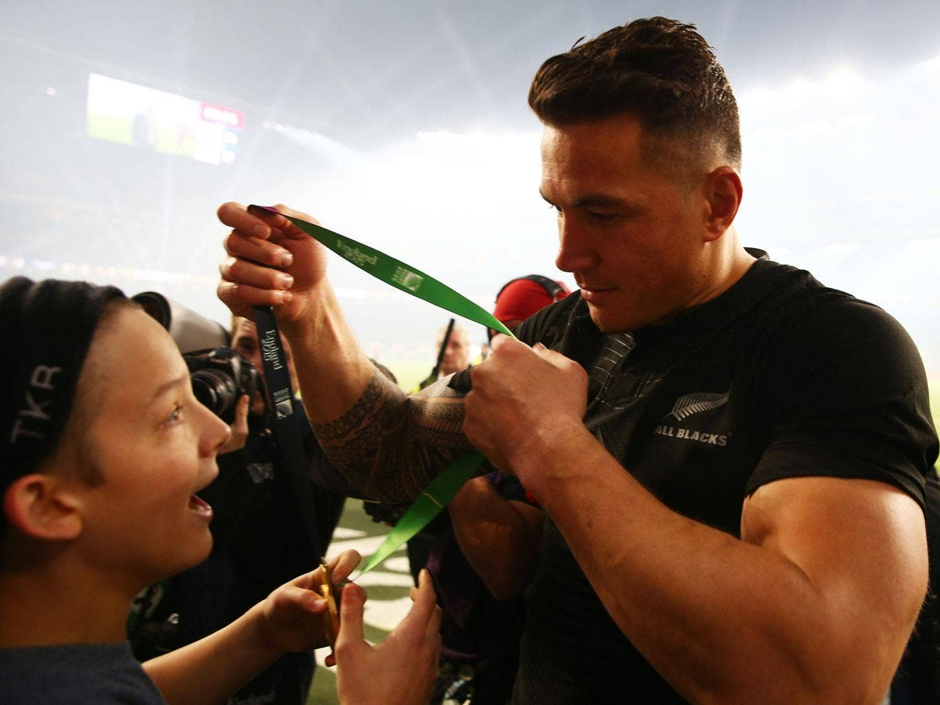 Sonny bill williams young fan who received all blacks star s medal is