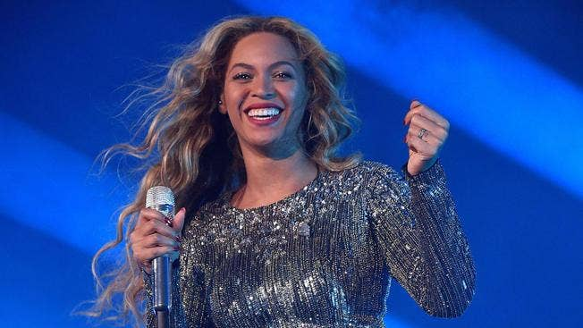Beyonce guest star for Super Bowl 2016