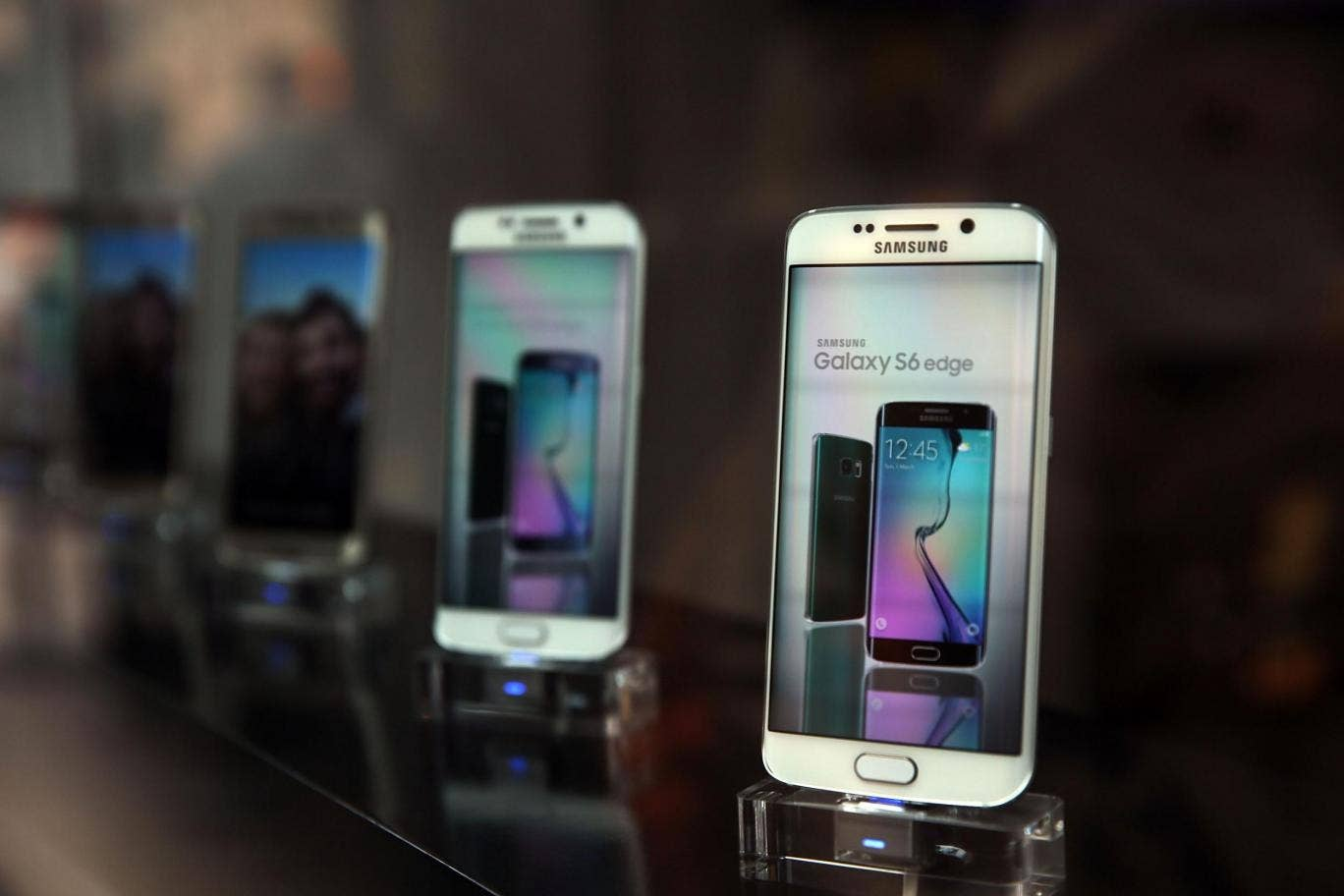 Dual SIM Samsung Galaxy S7 Edge Pops Up In Taiwan