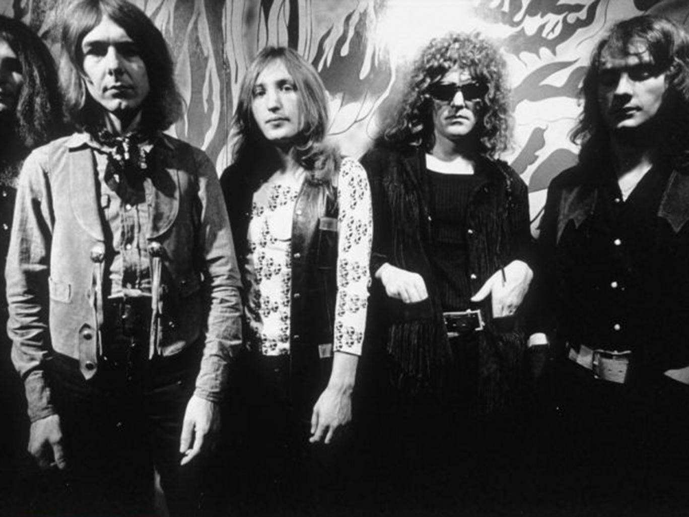 mott singles & personals All the singles and albums of mott the hoople, peak chart positions, career  stats, week-by-week chart runs and latest news.
