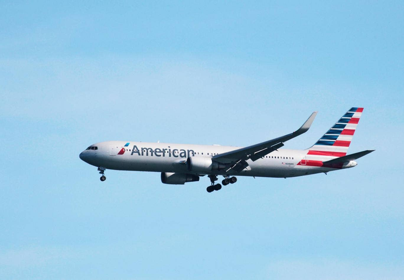 Mystery illness diverts American Airlines flight