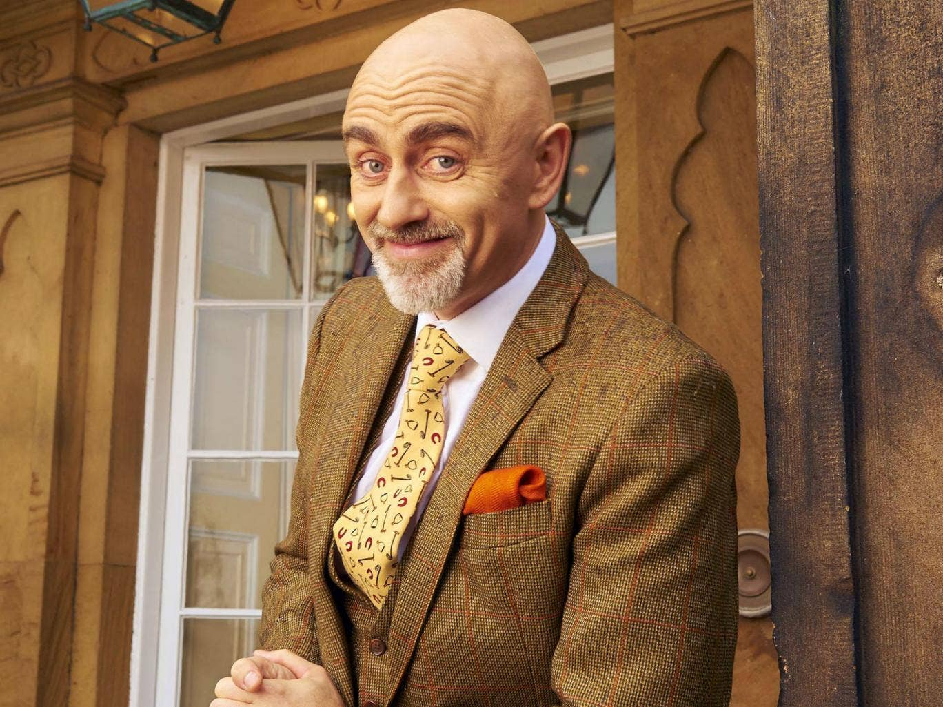 Come Dine With Me Narrator Surprises Viewers By Appearing