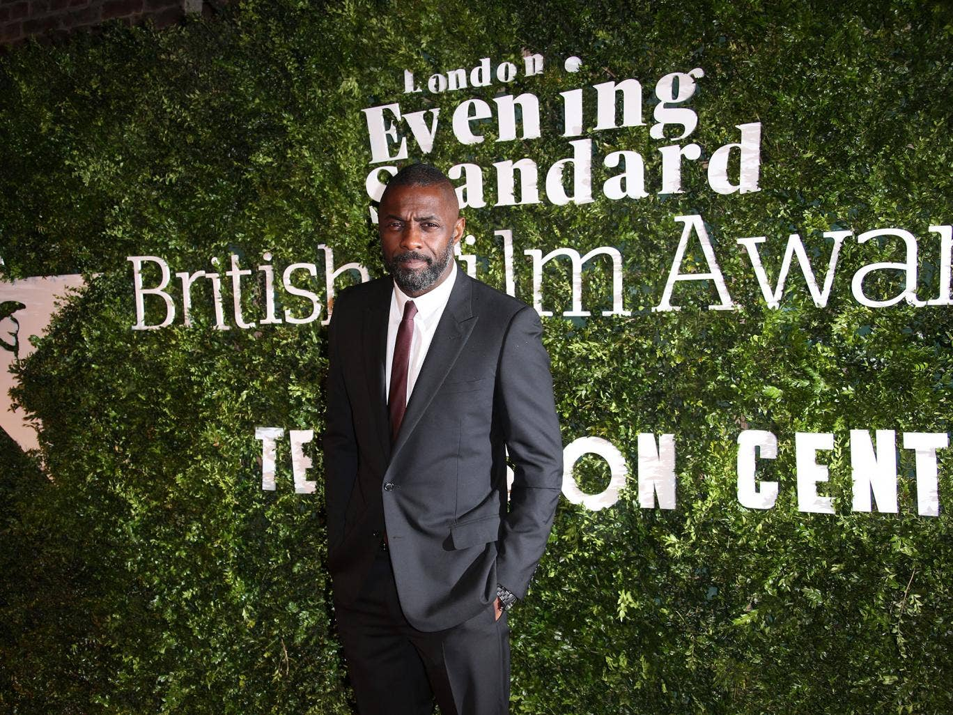 Idris Elba makes history with double win at 2016 SAG awards