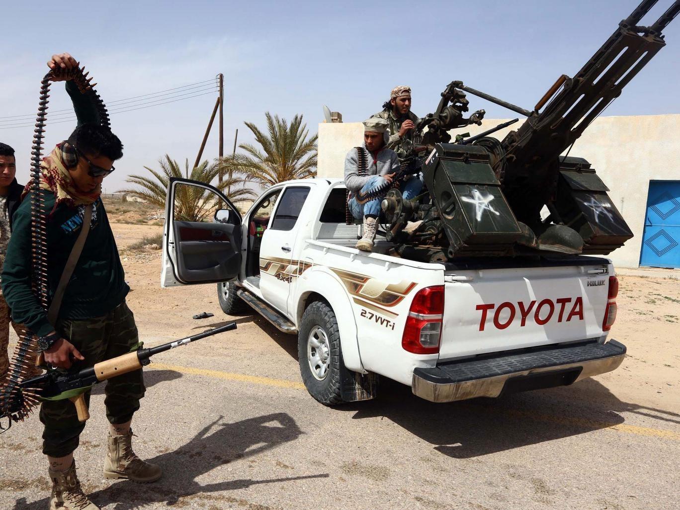 الاندبندنت البريطانية:بريطانيا في حرب في ليبياولا احد يخبرنا Web-libya-soldiers-get