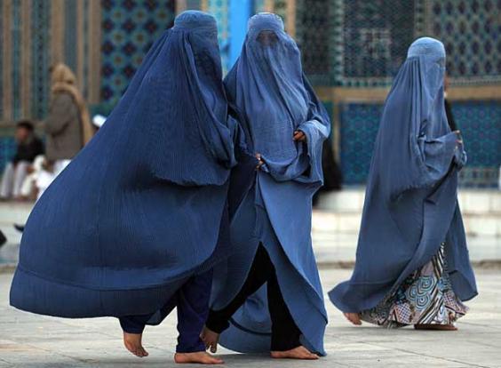 IN8778281Burqa-clad-women-w.jpeg