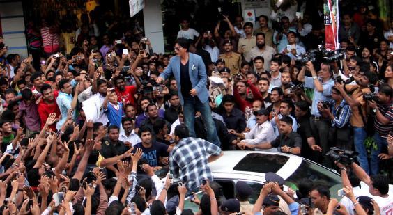 Shah-Rukh-Khan-mumbai.jpg