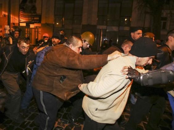 Ukraine-hostages-REUT.jpg