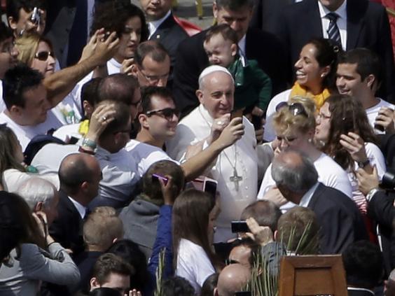 pope-francis-seflies2.jpg