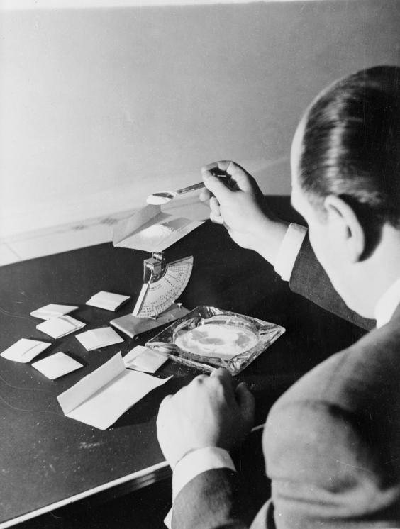 Drugdealer-1953.jpg