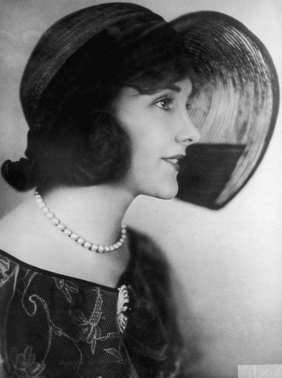 Jeanne-Eagels-died-1929.jpg