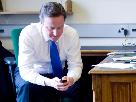 david-cameron-mobile-phone.jpg