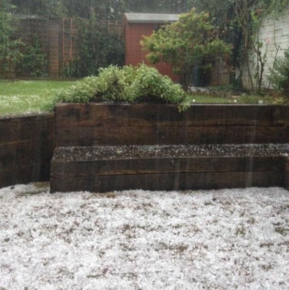 AN48941880A-hailstorm-hits-.jpg