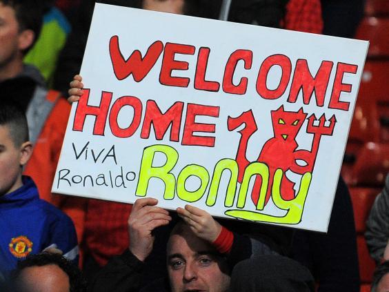 ronaldo-sign-old-trafford.jpg