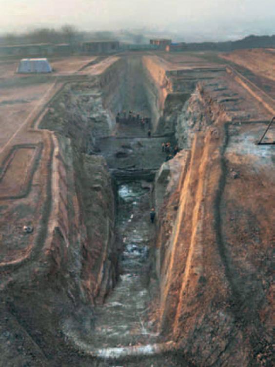 Chinese-tomb-2.jpg