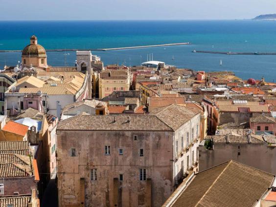 cagliari_cathedral_alamy.jpg