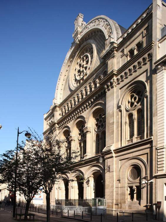 6-Synagogue-Alamy.jpg