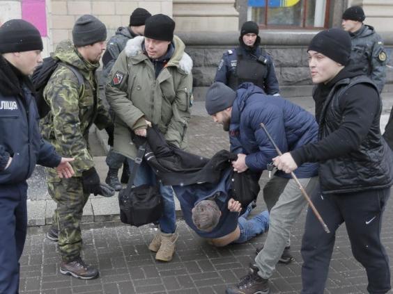 ukraine-men-arrested-russia-2.jpg