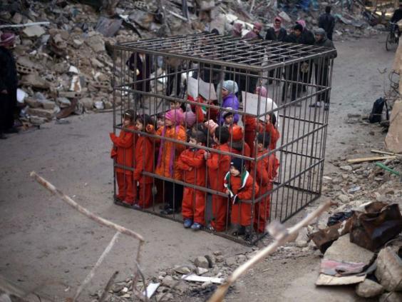 Douma-protest-3.jpg