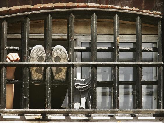 10-Prison-Cell-Get.jpg