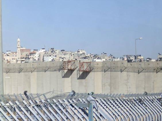 West-Bank-barrier-2.jpg