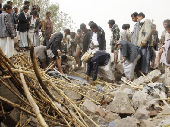 30-yemen-rubble-ap.jpg
