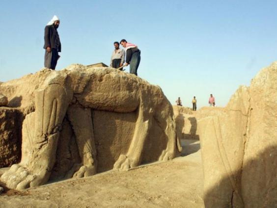 33-Iraqi-Statue-AFP.jpg