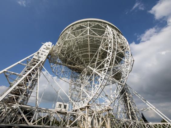 Lovell-Telescope-Jodrell-Bank-Cheshire.jpg