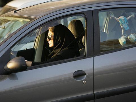 women-driver-iran.jpg