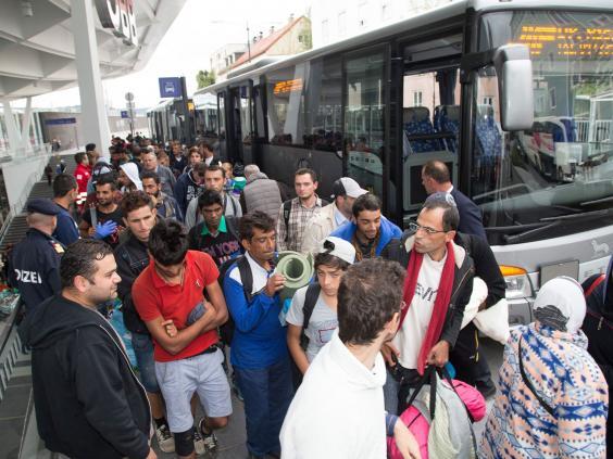refugees-austria-bus.jpg