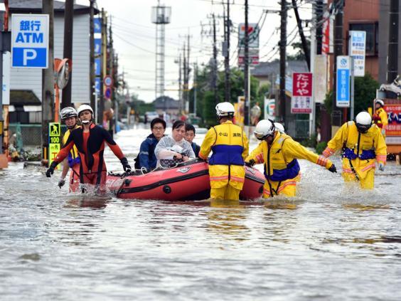 24-Tokyo-Flood-AFP.jpg