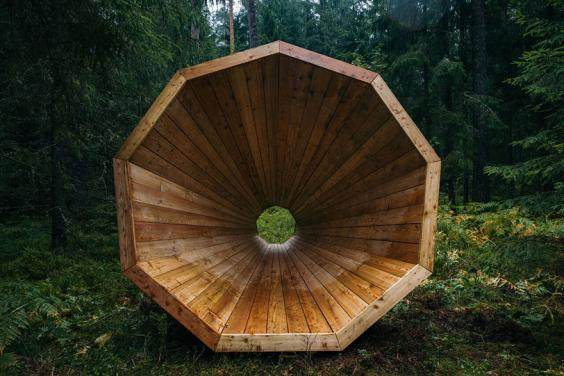 Estonian-students-build-amazing-unplugged-walk-in-megaphones-in-the-middle-of-nowhere4__880.jpg