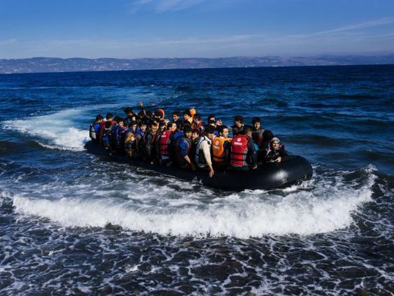 30-lesbos-boat-afp.jpg