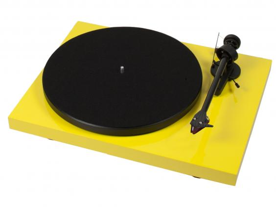 Pro-Ject Debut Carbon.jpg