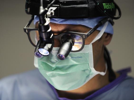 surgeon-getty.jpg