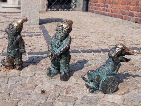 35-Disabled-dwarves-Alamy.jpg