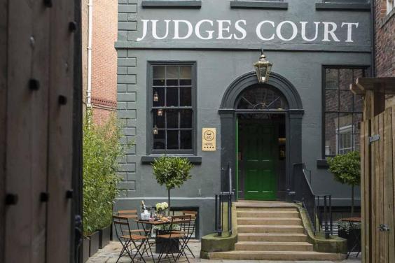 judges-court.jpg