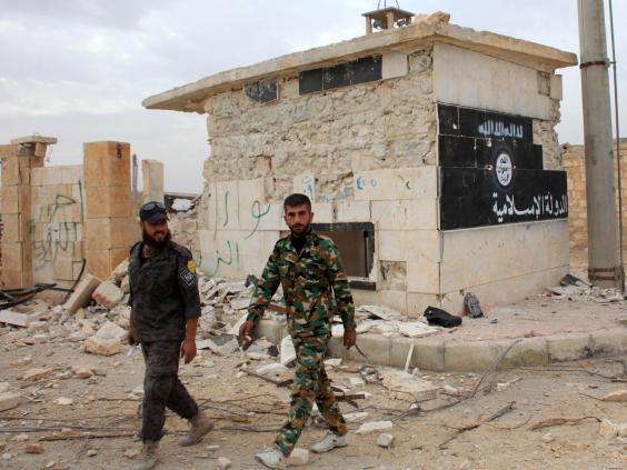 syrian-soldiers-isis.jpg